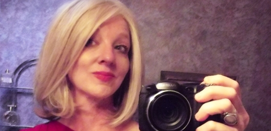 lynsey wig by alan eaton in light blonde