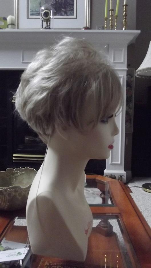 Shari Wig by Envy in light blonde